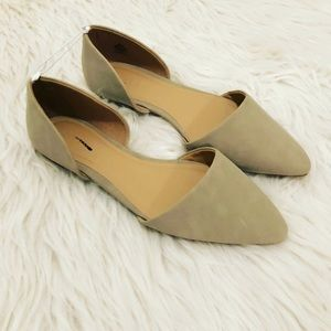 pointed-toe flats // old navy // size 7
